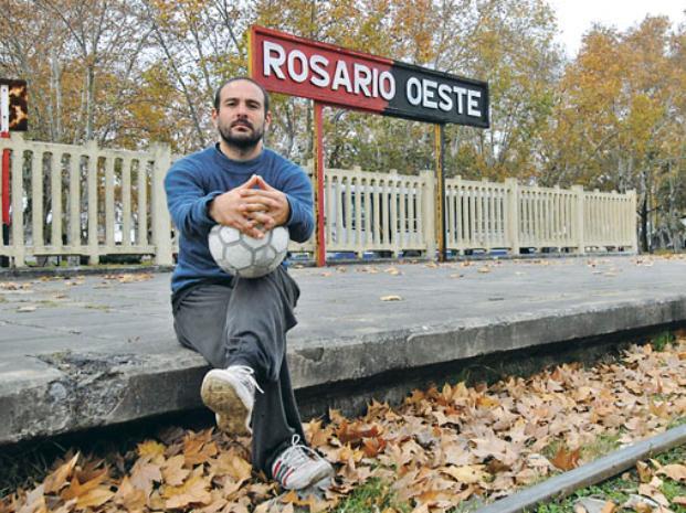 Rosario: Kurt Lutman y un libro de crónicas que hablan del fútbol y el compromiso social