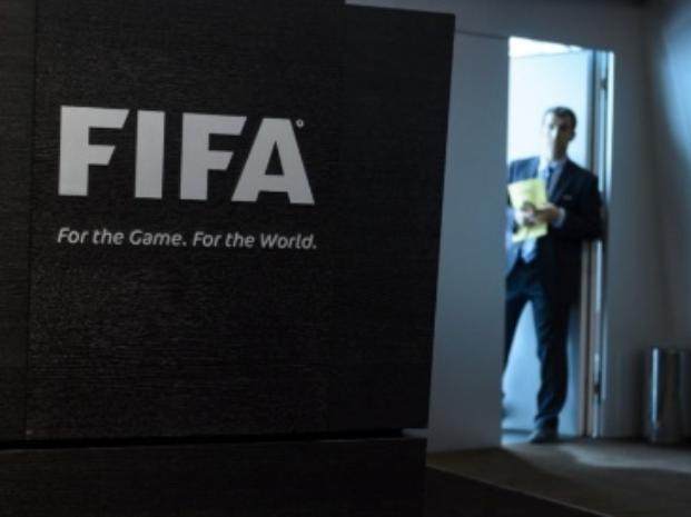 Tres argentinos, imputados en la causa por el escándalo por coimas en la Fifa