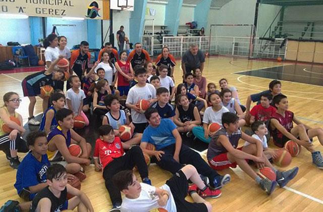 Río Turbio – Santa Cruz  La Escuela de Básquet cerró un exitoso año