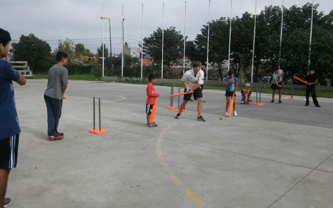 Cricket en las Villas: una manera de sacar chicos de la calle