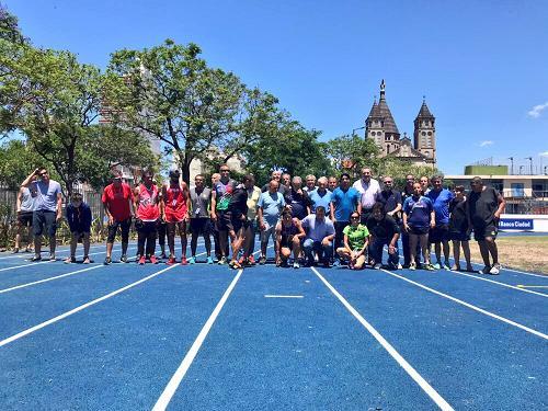CABA: El Parque Chacabuco ya tiene una pista profesional de atletismo de acceso libre y gratuito