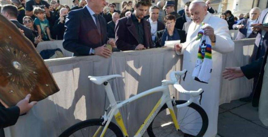 """El Papa Francisco sobre el ciclismo: """"Hay desórdenes que contaminan el deporte"""""""