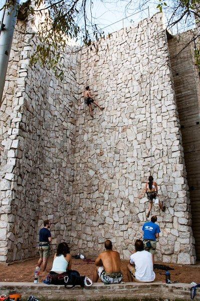 Conflicto porteño: Por la venta del Tiro Federal, denuncian que quieren demoler la palestra de escaladores más grande de Latinoamérica