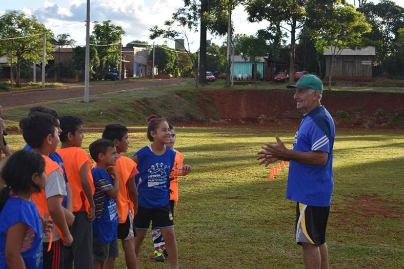 Misiones: Es una Necesidad la ASIGNACIÓN UNIVERSAL POR DEPORTE (AUD) -Entrena a decenas de niños gratis para poder sacarlos de la calle