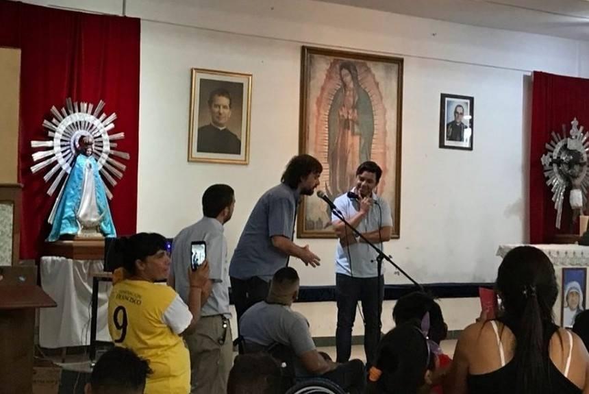 Marcelo Gallardo donó su emblemático saco para una subasta en beneficio de la obra del Padre Pepe