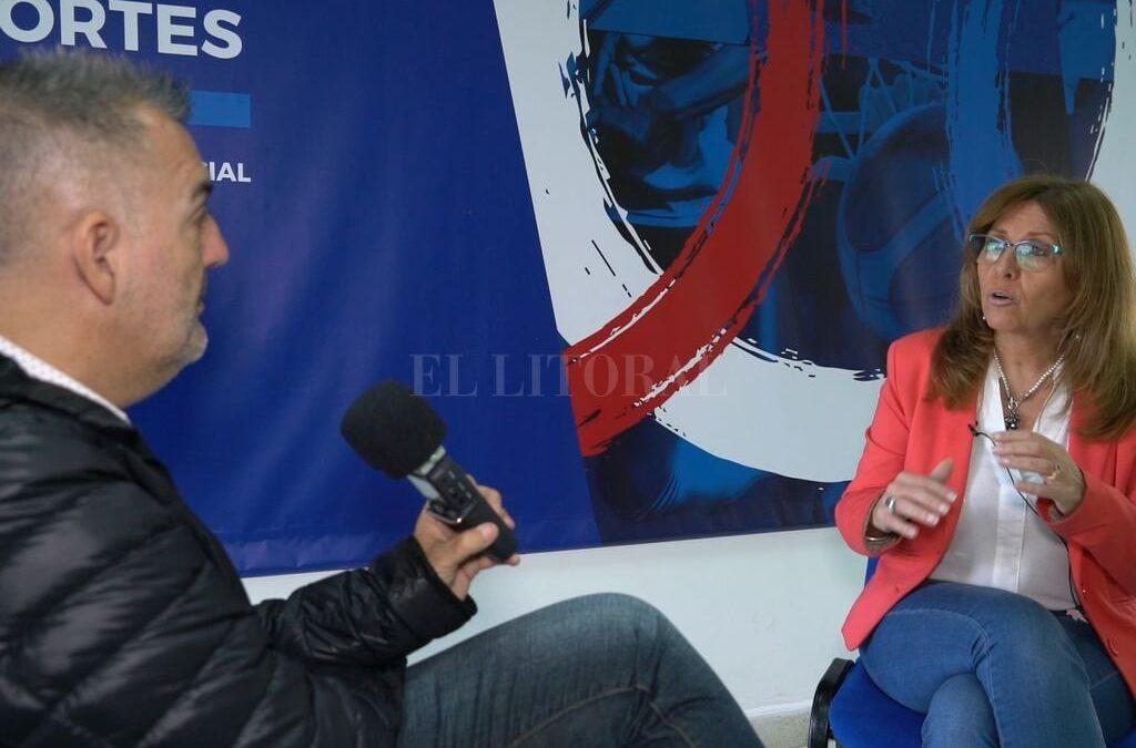 SANTA FE: El Litoral mano a mano con Claudia Giaccone – «El Gobernador no quiere que se cierre ningún club»