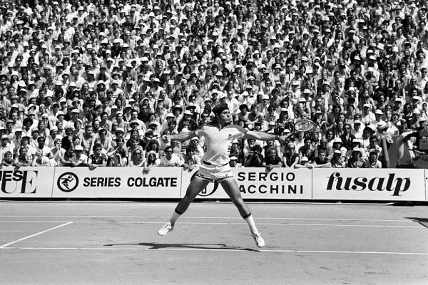 """17/08/1952: Guillermo Vilas – """"Quien masifica el deporte blanco"""""""